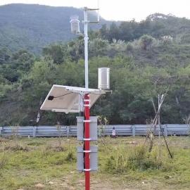 阿勒泰机场开展便携式全自动气象环境监测站应急演练.jpg